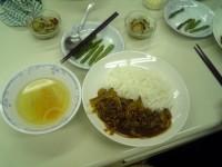 本日の料理 ハヤシライス 野菜のピクルス スープ