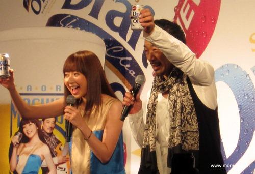持田香織さんと宇崎竜童さんが「サッポロ ドラフトワン」で乾杯!