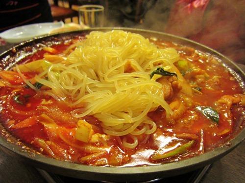 タッカルビ with 盛岡冷麺のような麺