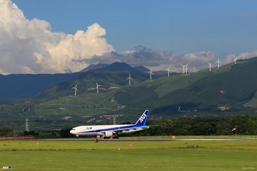 B777-200 熊本空港