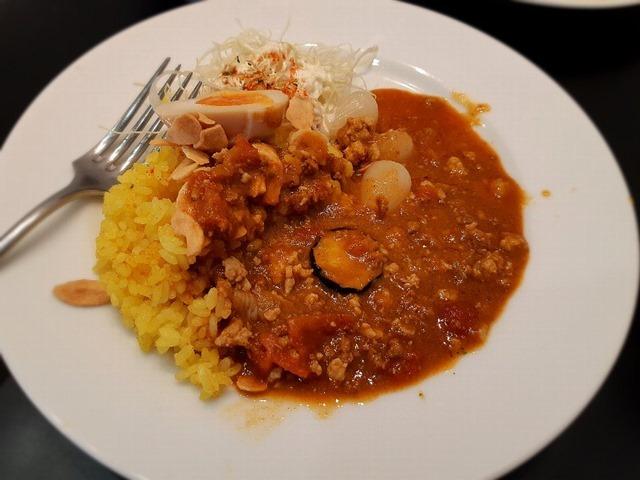 ナスと鶏キーマ赤カレー(ご飯3分の1)