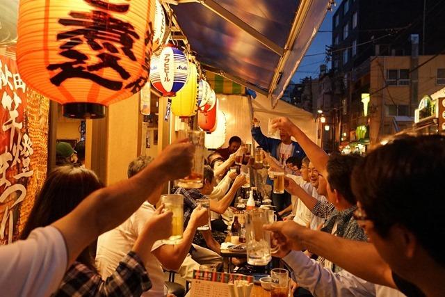 乾杯(写真:村上さん)