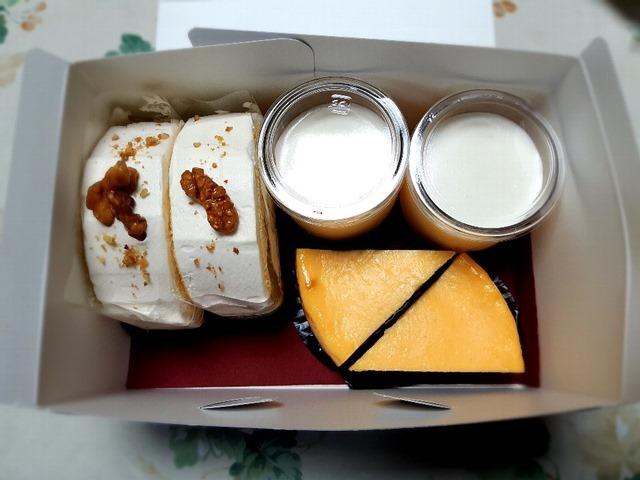 ルスルス浅草店のケーキ