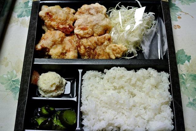 宅配とんかつ専門店かさねや浅草店の鶏の唐揚げ弁当