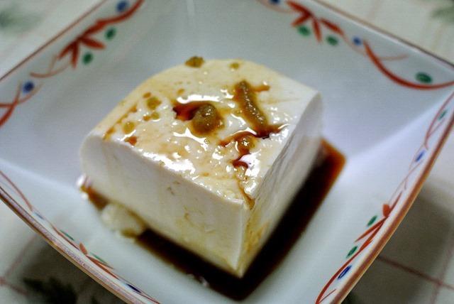 佐嘉おぼろ豆腐を柚子胡椒で食べる