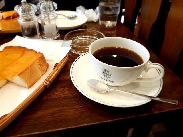 バッハブレンドとトーストのバターのマリアージュ