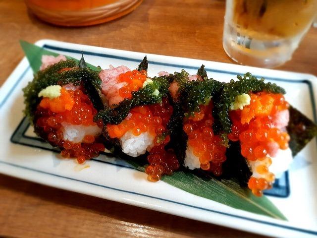 一口贅沢こぼれ寿司