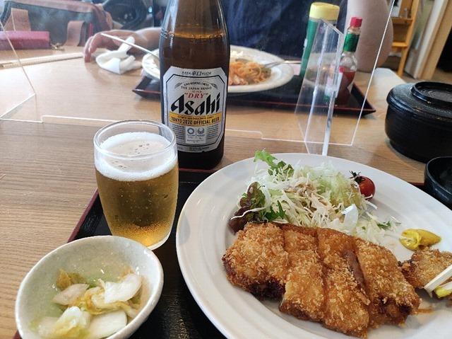 アサヒスーパードライと自家製味噌カツ定食
