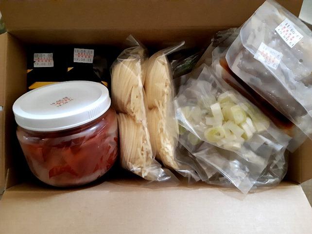 ヤマトの盛岡冷麺とカクテキ