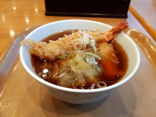 季節の天ぷらそばーイカと海老の天ぷらそば