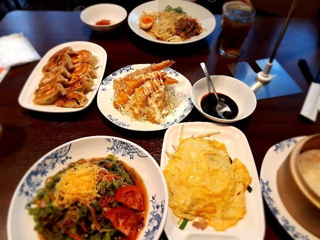 ビャンビャン麺と餃子とエビマヨと色々と