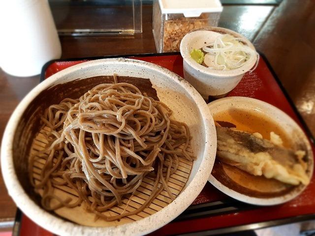 韃靼蕎麦とカレイの天ぷら