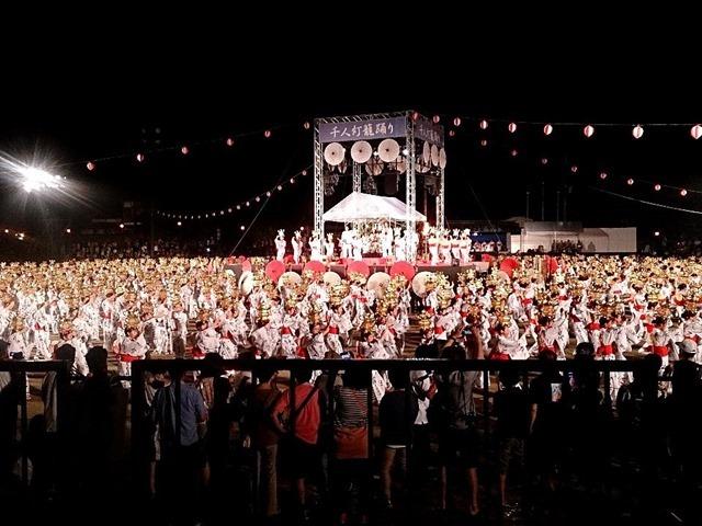 山鹿市の千人灯籠踊り