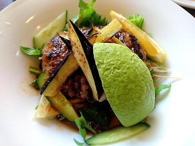 香味野菜のアボガドハンバーグ