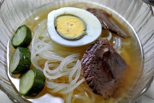ぴょんぴょん舎の「盛岡冷麺スペシャル」 (自家製)