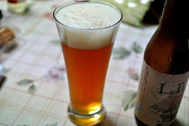 いわて蔵ビール IPA(インディア・ペールエール)とスタウト。(村上さんの贈与:世嬉の一酒造:岩手県一関市田村町5)