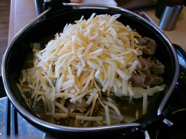 とろ〜りチーズカレー鍋