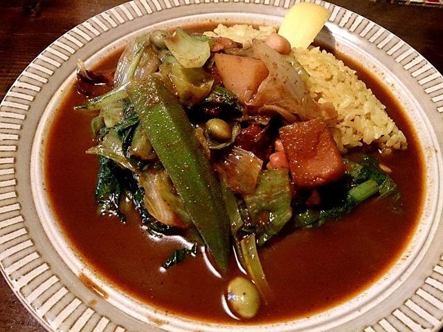 八木カレーのベーコンと野菜のカレー中辛ご飯小盛り
