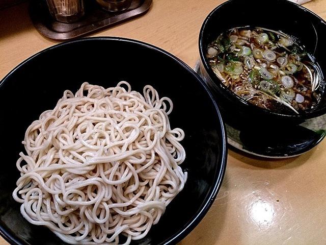 吉そば神田店の特製肉つけ麺