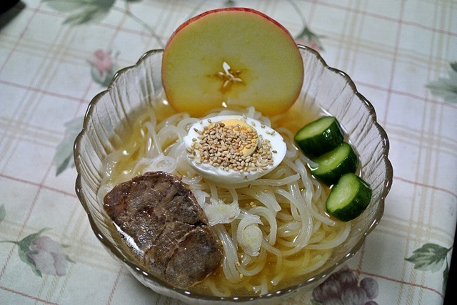 イーハトーブの味伝説ぴょんぴょん舎の盛岡冷麺スペシャル