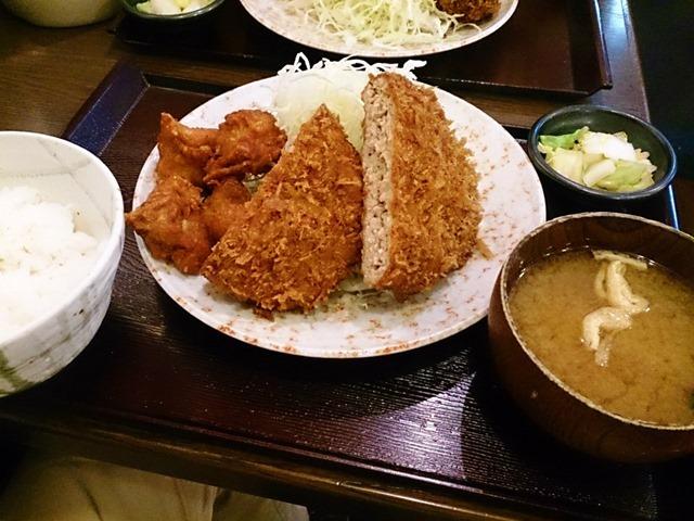 メンチカツと唐揚げ定食