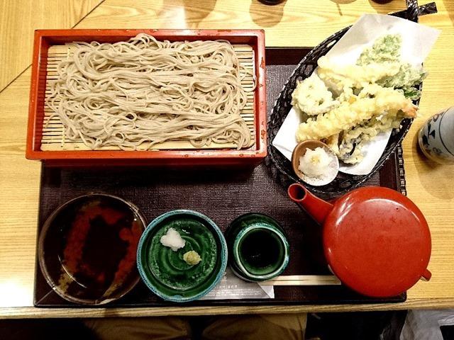 天ぷらそば+そば1枚追加