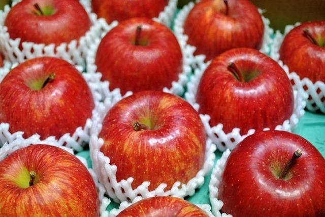 くろしばりんご園のしあわせ林檎