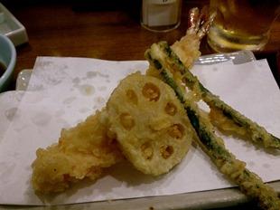 大海老そばの大海老・れんこん・いんげんの天ぷら