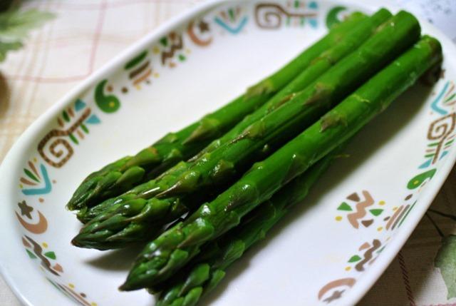 茹でグリーンアスパラ