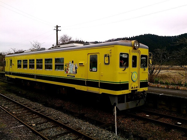 ムーミン列車いすみ鉄道。(風そよぐ谷国吉駅)