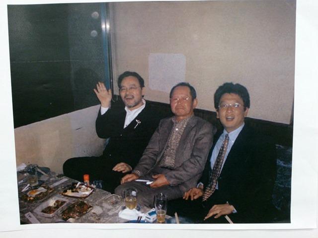 左からあたし、今は亡き石原理事長、そして熊本市長選挙に立候補している大橋元熊本県議、あーあたしがまるで別人のように元気なのだ