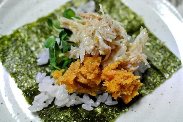 毛蟹と焼うにと酢飯と海苔